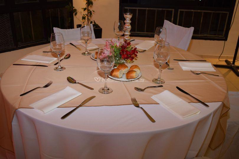 Vestimenta de mesas y sillas