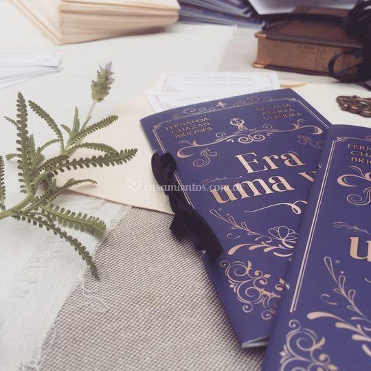 Invitación impresa tipo libro