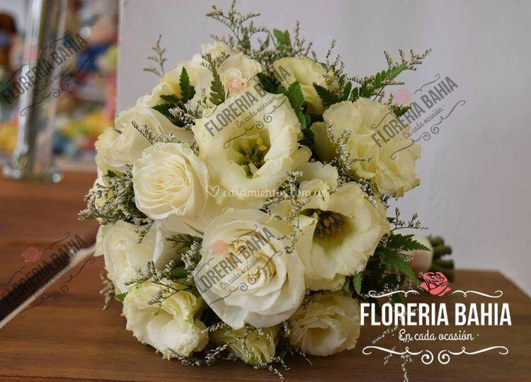 Bouquet Lisiathus y Rosas