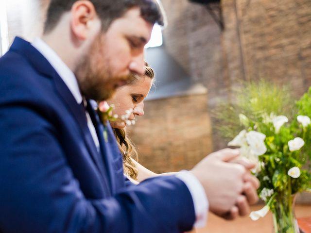El casamiento de Agustín y Clara en Burzaco, Buenos Aires 25