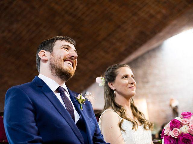 El casamiento de Agustín y Clara en Burzaco, Buenos Aires 32
