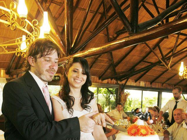 El casamiento de Juan y Valeria en Cañuelas, Buenos Aires 25