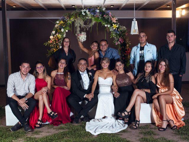 El casamiento de Gabriel y Evelyn en Funes, Santa Fe 43