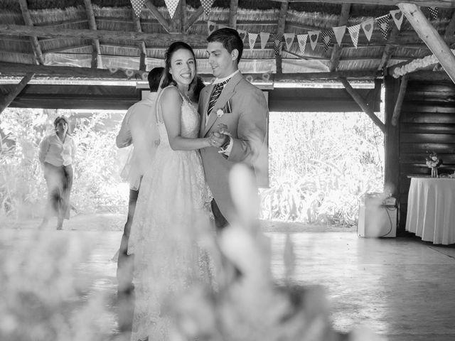 El casamiento de Emmanuel y Estefania en La Plata, Buenos Aires 42
