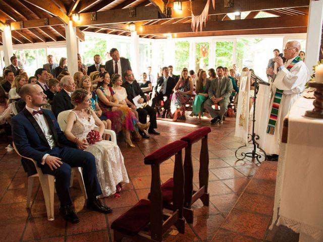 El casamiento de Ale y Gaby en Castelar, Buenos Aires 48