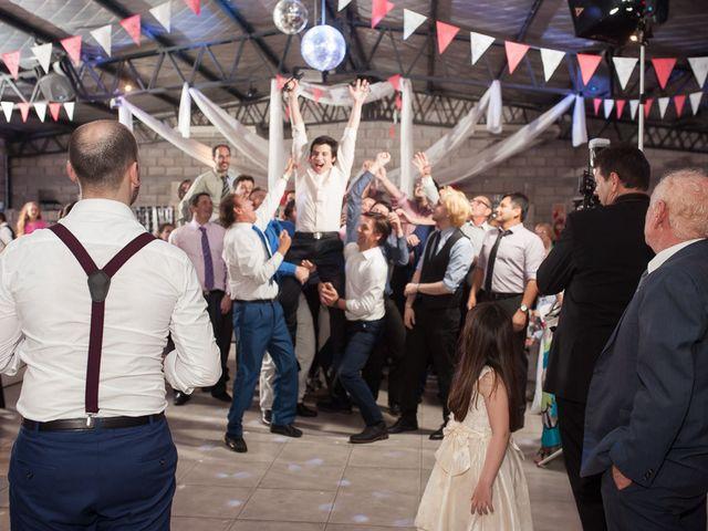 El casamiento de Ale y Gaby en Castelar, Buenos Aires 104