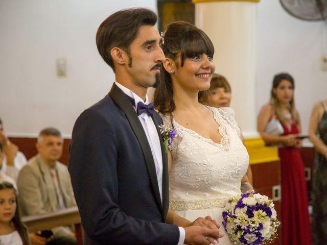 El casamiento de Maxi y Carla en Barrio General San Martin, Buenos Aires 7
