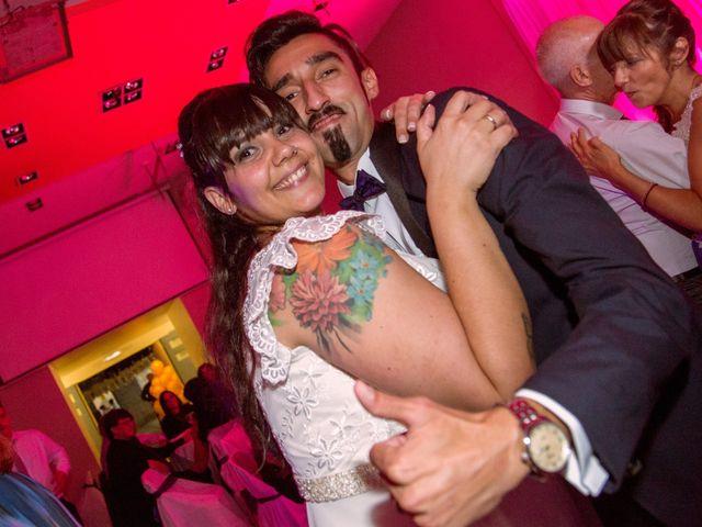 El casamiento de Maxi y Carla en Barrio General San Martin, Buenos Aires 20