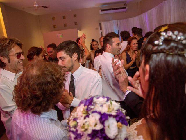 El casamiento de Maxi y Carla en Barrio General San Martin, Buenos Aires 22