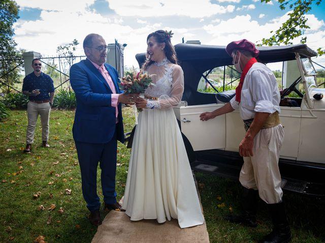 El casamiento de Diego y Sole en Exaltacion de La Cruz, Buenos Aires 30