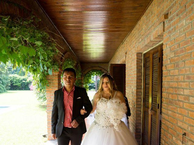 El casamiento de Juan Carlos  y Nélida  en Villa de Mayo, Buenos Aires 4
