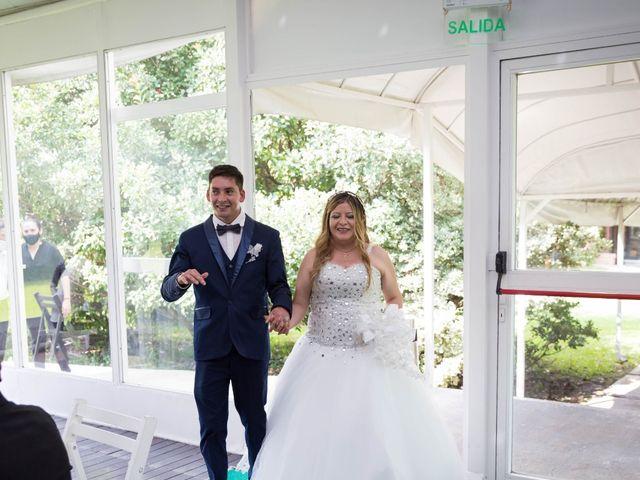 El casamiento de Juan Carlos  y Nélida  en Villa de Mayo, Buenos Aires 18