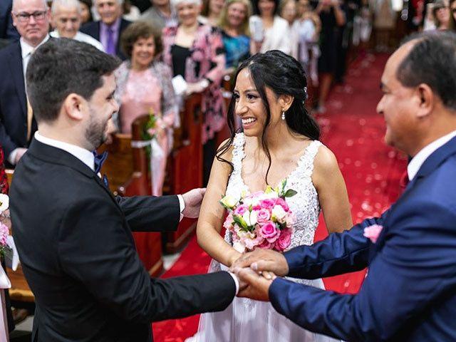 El casamiento de Laura y Marcos en Monte Grande, Buenos Aires 14
