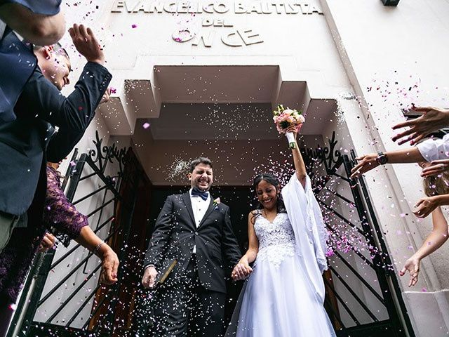 El casamiento de Laura y Marcos en Monte Grande, Buenos Aires 16