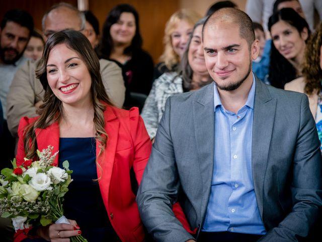 El casamiento de Leo y Rosario en Wilde, Buenos Aires 14