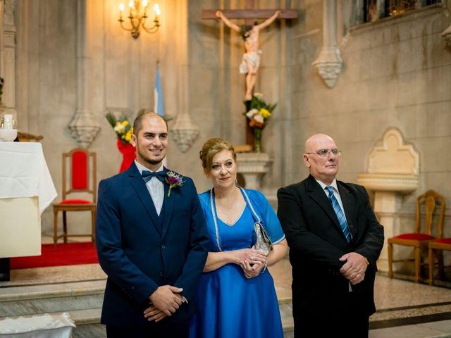 El casamiento de Leo y Rosario en Wilde, Buenos Aires 35