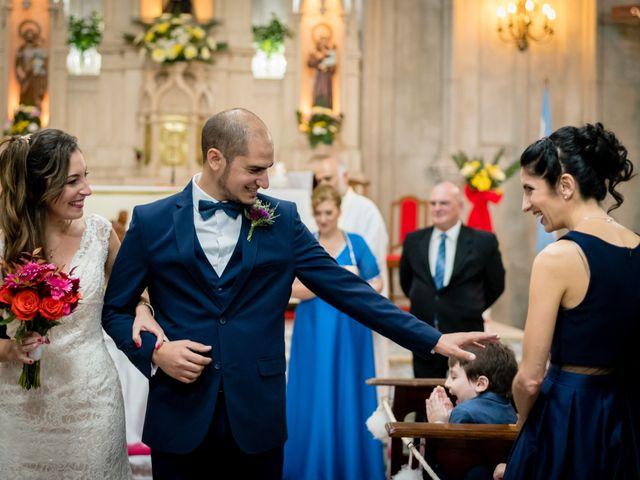 El casamiento de Leo y Rosario en Wilde, Buenos Aires 50