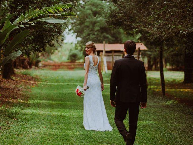 El casamiento de Aristides y Ariceldis en Montecarlo, Misiones 15