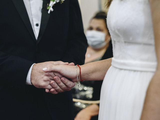 El casamiento de Ariel y Ivana en Burzaco, Buenos Aires 46