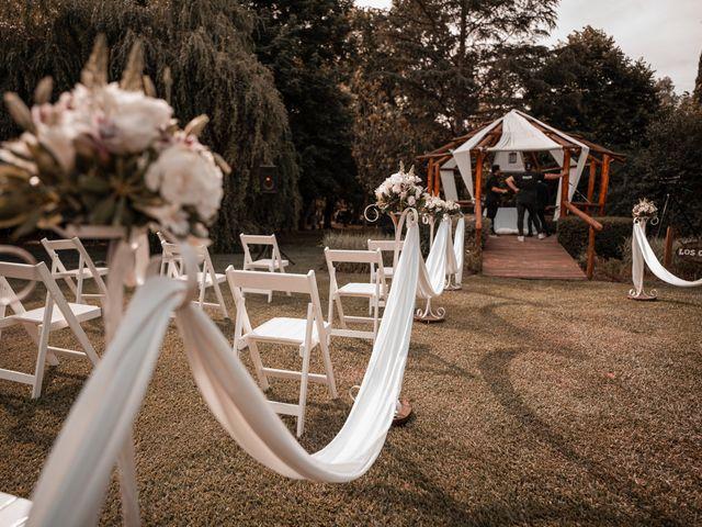 El casamiento de Javi y Caro en Burzaco, Buenos Aires 15