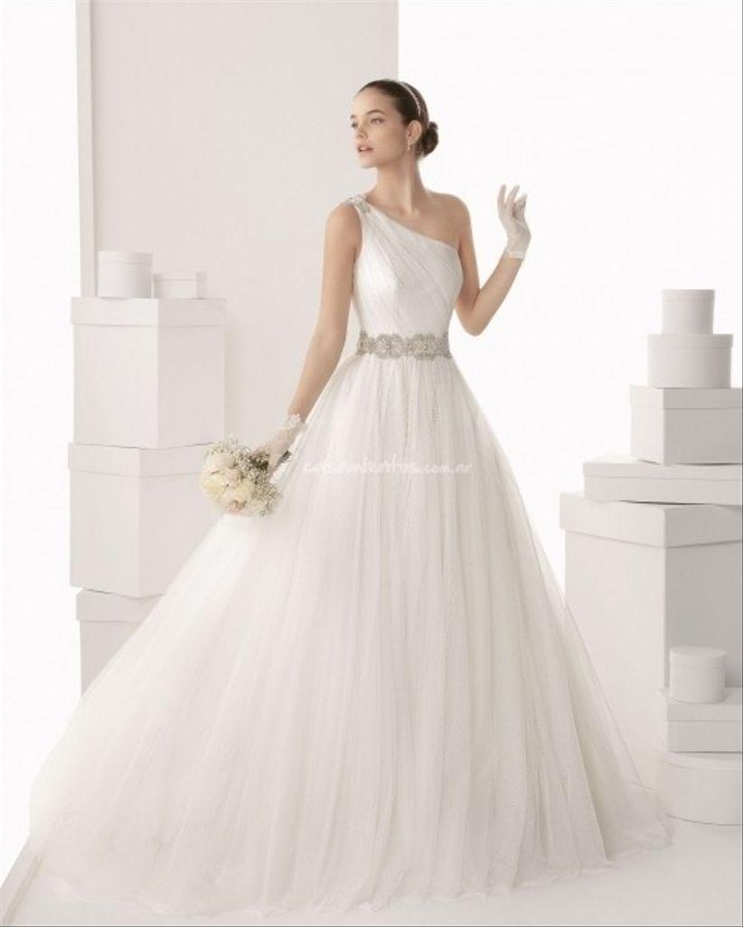 vestidos de novia con un hombro descubierto