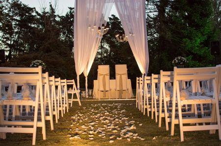 5 propuestas para decorar un altar al aire libre
