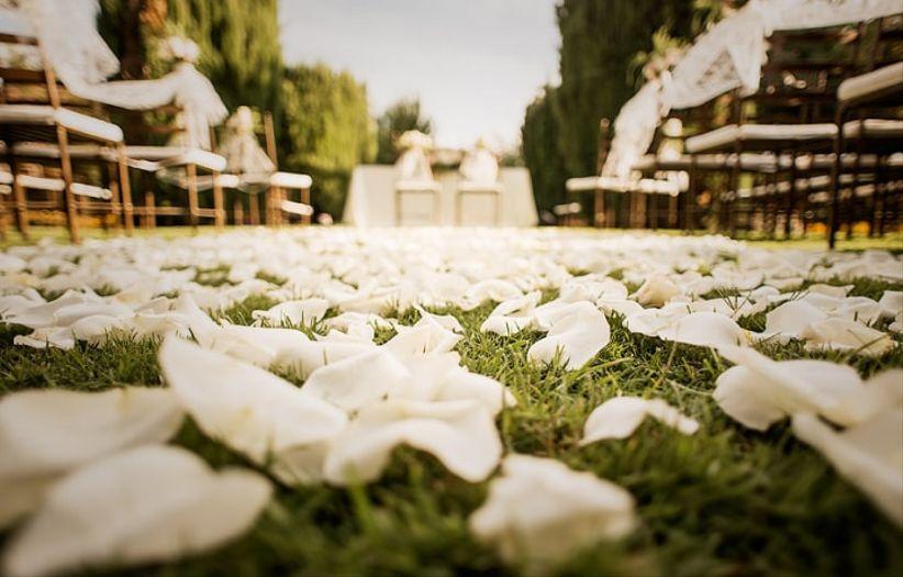 6 ideas con encanto para decorar el pasillo de tu casamiento for Pasillos con encanto