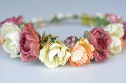 Corona de flores para invitada: guía de estilo y uso