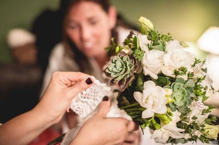 Pañuelos de la abuela para llevar el ramo de novia