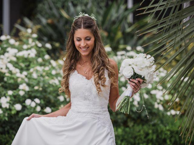 ¿Cómo llevar el ramo de novia? 5 consejos para que gane la naturalidad