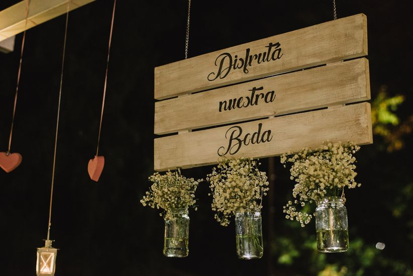 Decoraci n de casamiento con frascos y botellas 10 ideas for Adornos con botellas para plantas