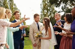 Gente que no querés invitar a tu casamiento... ¡pero tendrás que hacerlo!