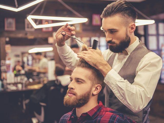 ¿Cuándo debe cortarse el pelo el novio?