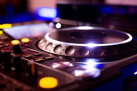 10 canciones que no deben sonar en tu casamiento