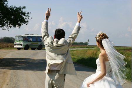 6 ventajas de contratar un micro para sus invitados el día del casamiento