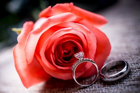 """La ceremonia de la rosa: una romántica alternativa para el momento del """"Sí"""""""