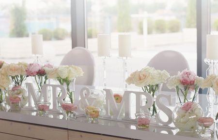 Ideas para decorar la mesa de los novios