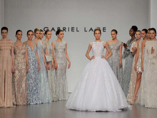 Gabriel Lange 2018: vestidos de novia y fiesta en pasteles, oros y platas de preferencia