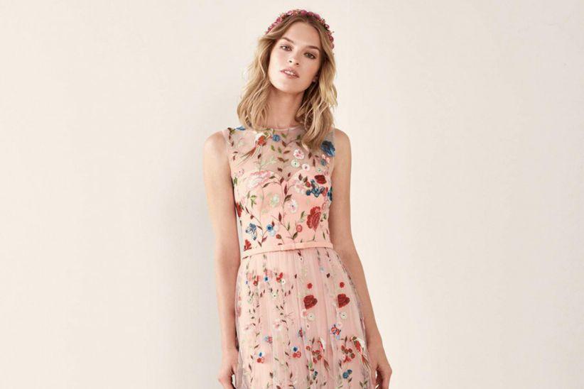 7102a009aee1 50 vestidos de invitada para casamientos en verano: las últimas ...