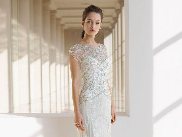 50 vestidos de novia con pedrería para brillar en tu gran día