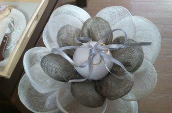 Cómo hacer una flor porta alianzas de tela sinamay