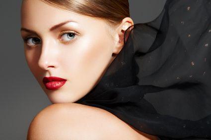 Tutorial de maquillaje con labios rojos