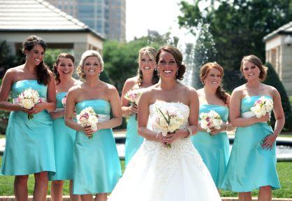 Eligiendo los vestidos de las damas de honor