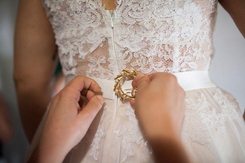 formas de levantar la cola del vestido