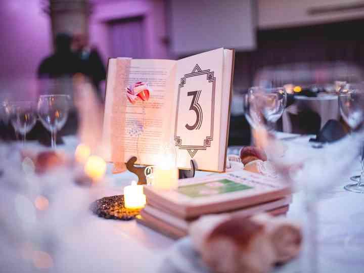 7 formas de incluir libros en la decoración del casamiento