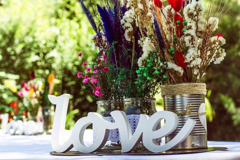 7 ideas para decorar tu casamiento con latas recicladas for Mesas de centro originales y baratas
