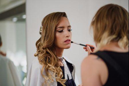30 peinados semirecogidos para novias: el equilibrio perfecto