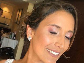 Andrea Vargas - Makeup Studio 5