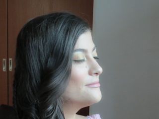 Romina Facciuto Makeup y Peinados 3