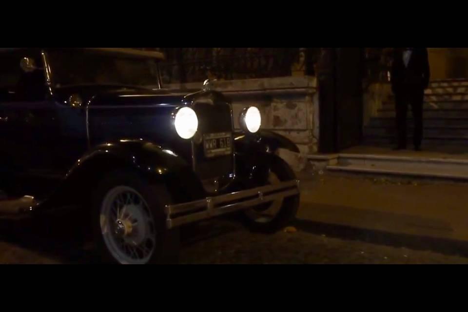 Leonardo Auto Antiguo 3